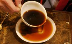 コーヒーソーサーの使い方