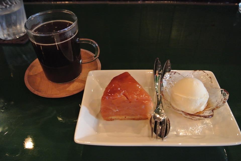 Cafe&Bar Gregor(カフェアンドバー グレゴール)「美味しい珈琲に、お酒に、本!!なカフェアンドバー!!」