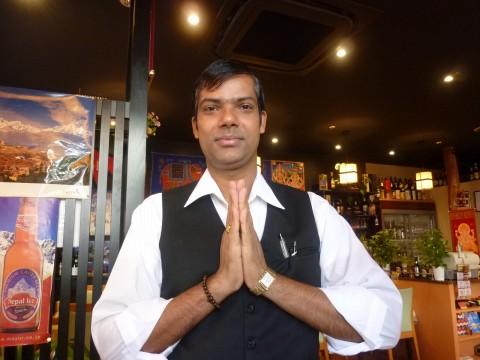 インドラマハール「六甲道でナンとカレーだよ」